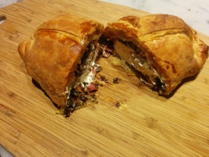 cream-cheese-in-baked-puff-pastry-02